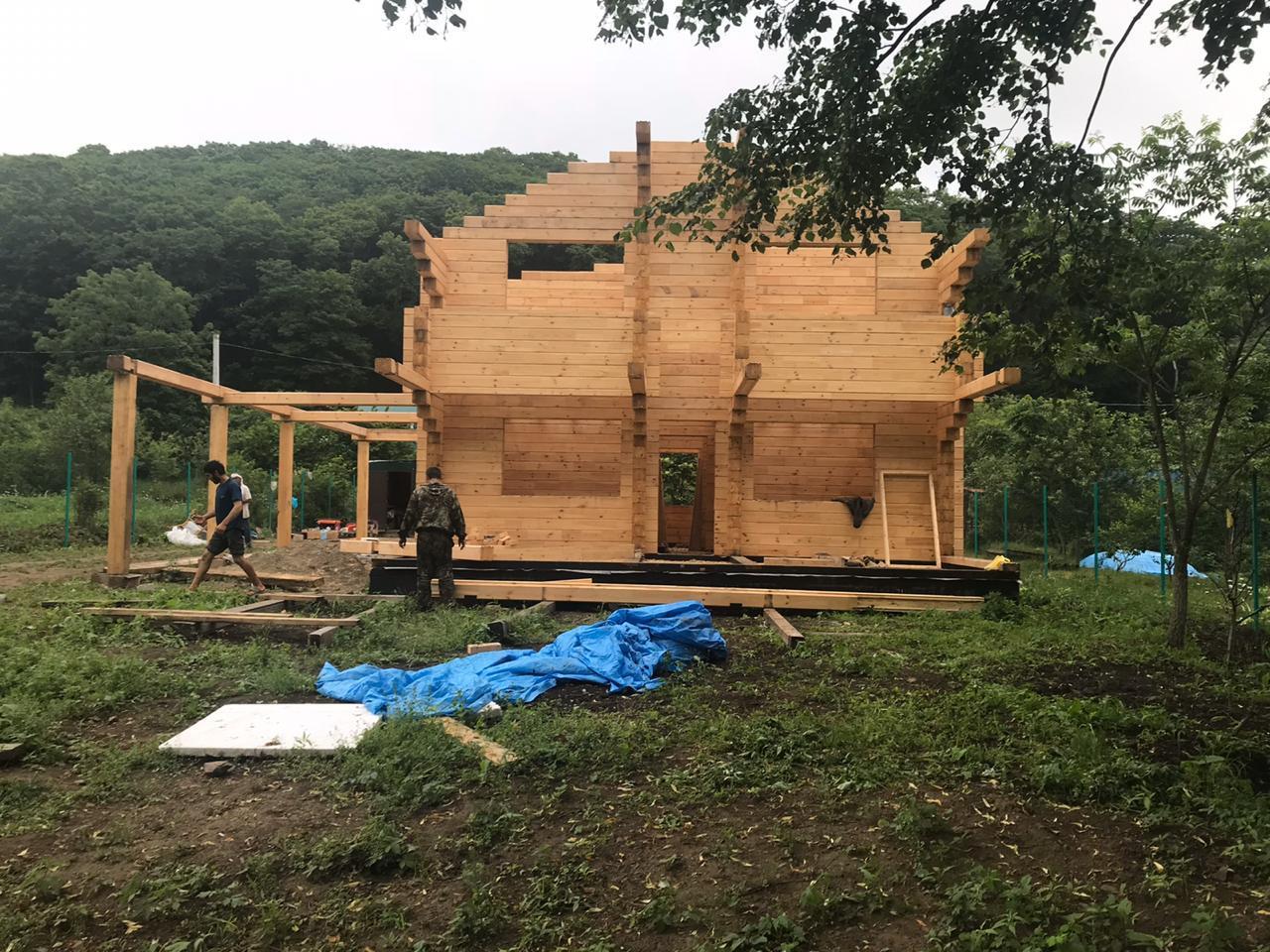 Деревянный дом сруб построили в Дагестане